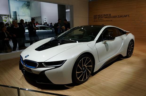 640px-BMW_i8_IAA_2013_04